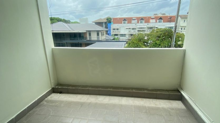Two bedroom apartment for rent in Ari - Balcony