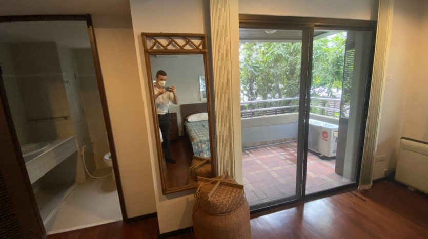 Two bed apartment for rent in Ari - Bedroom balcony