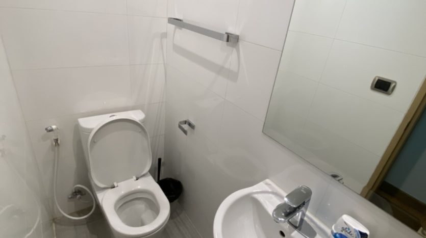 Two bed for rent in Ari - Guest toilet