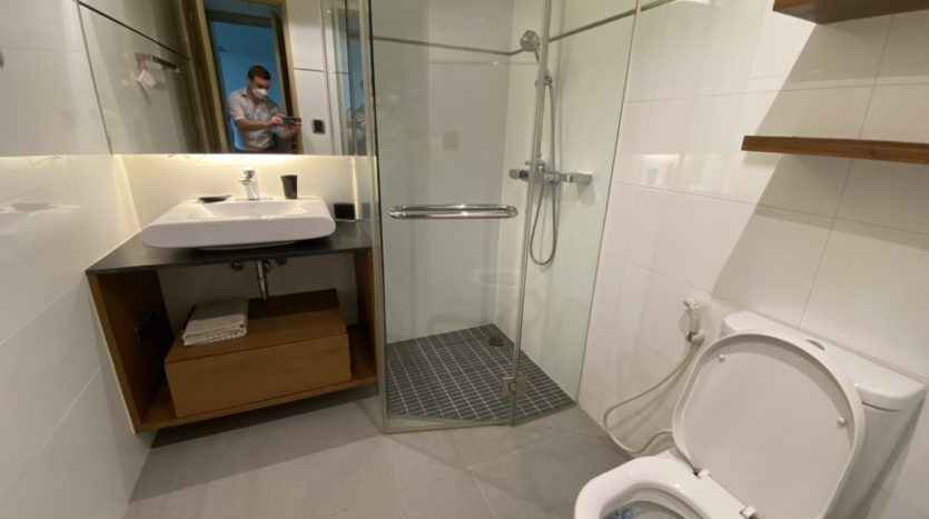 Two bed for rent in Ari -Guest bathroom